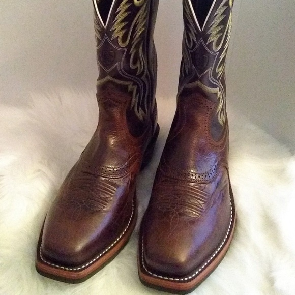 Ariat Other - Men's Ariat Leather Boots sz 10 EE